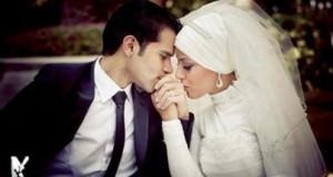 من آياته أن خلق لكم من أنفسكم أزواجا لتسكنوا إليها وَجعل بينكم مودة ورحمة ''